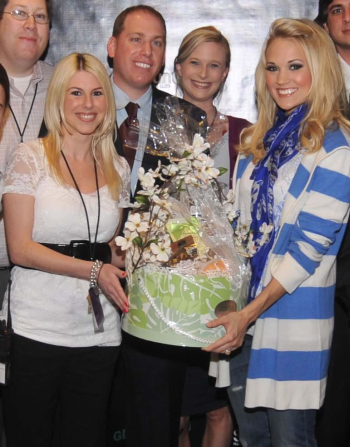 YES!!         THAT IS CARRIE UNDERWOOD RECEIVING ONE OF OUR GIFT BASKETS!