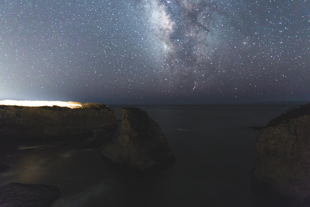Shark-Fin-Cove-Milky-Way-blog-3.JPG
