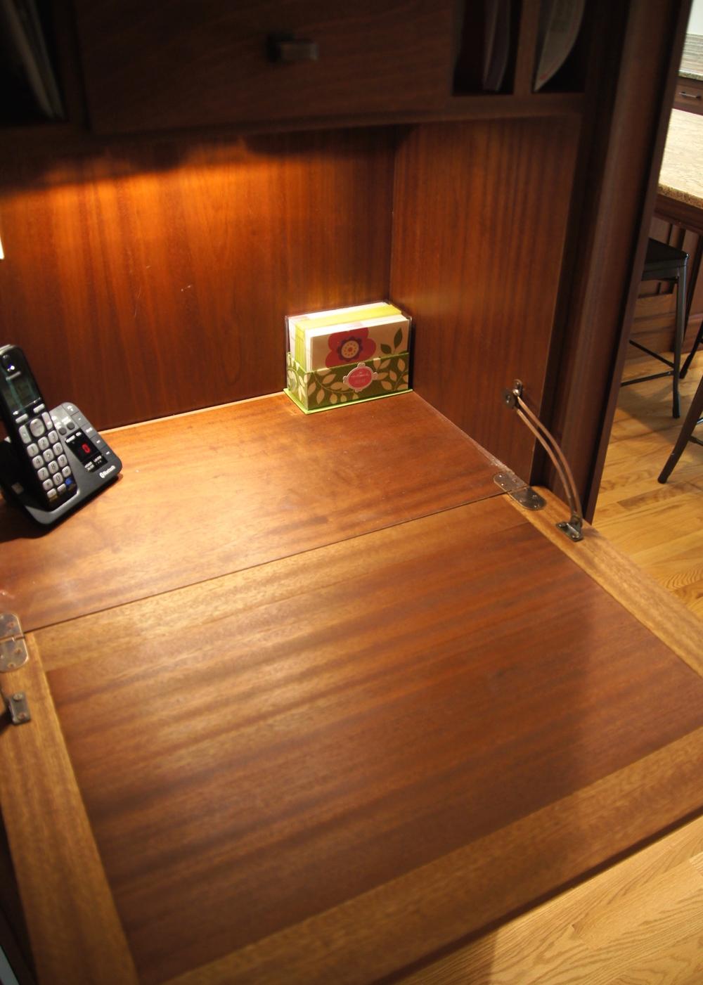 Phone cabinet 02.jpg