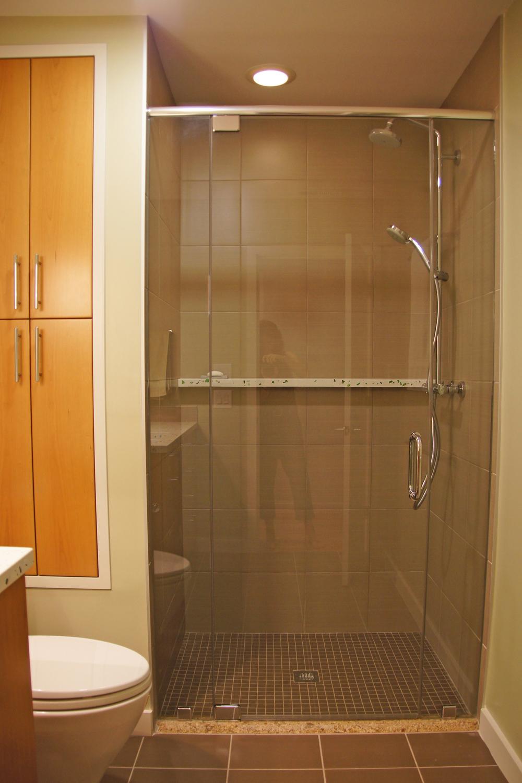 basment bath01.jpg