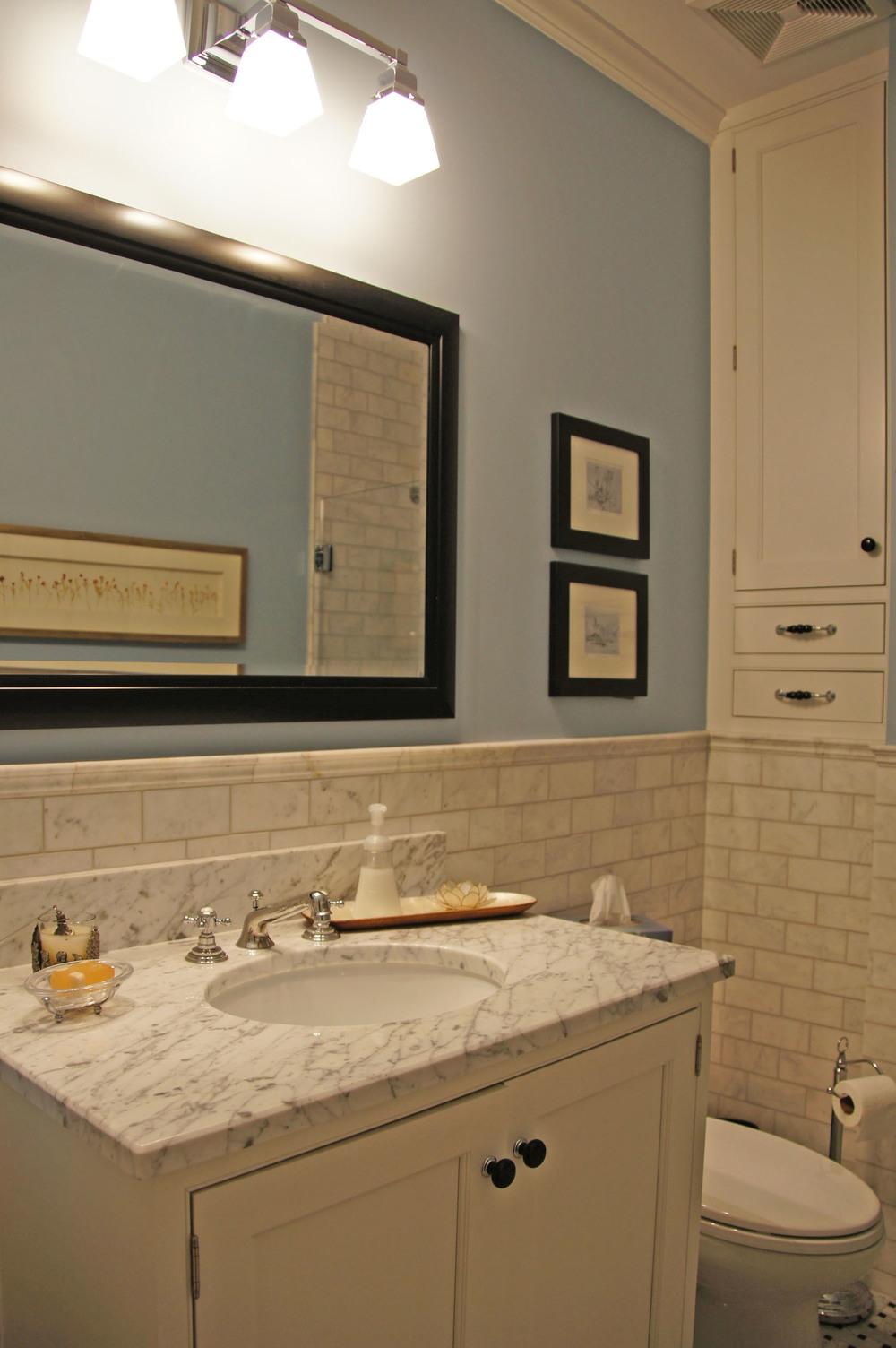 BH hall bath 01.2.jpg
