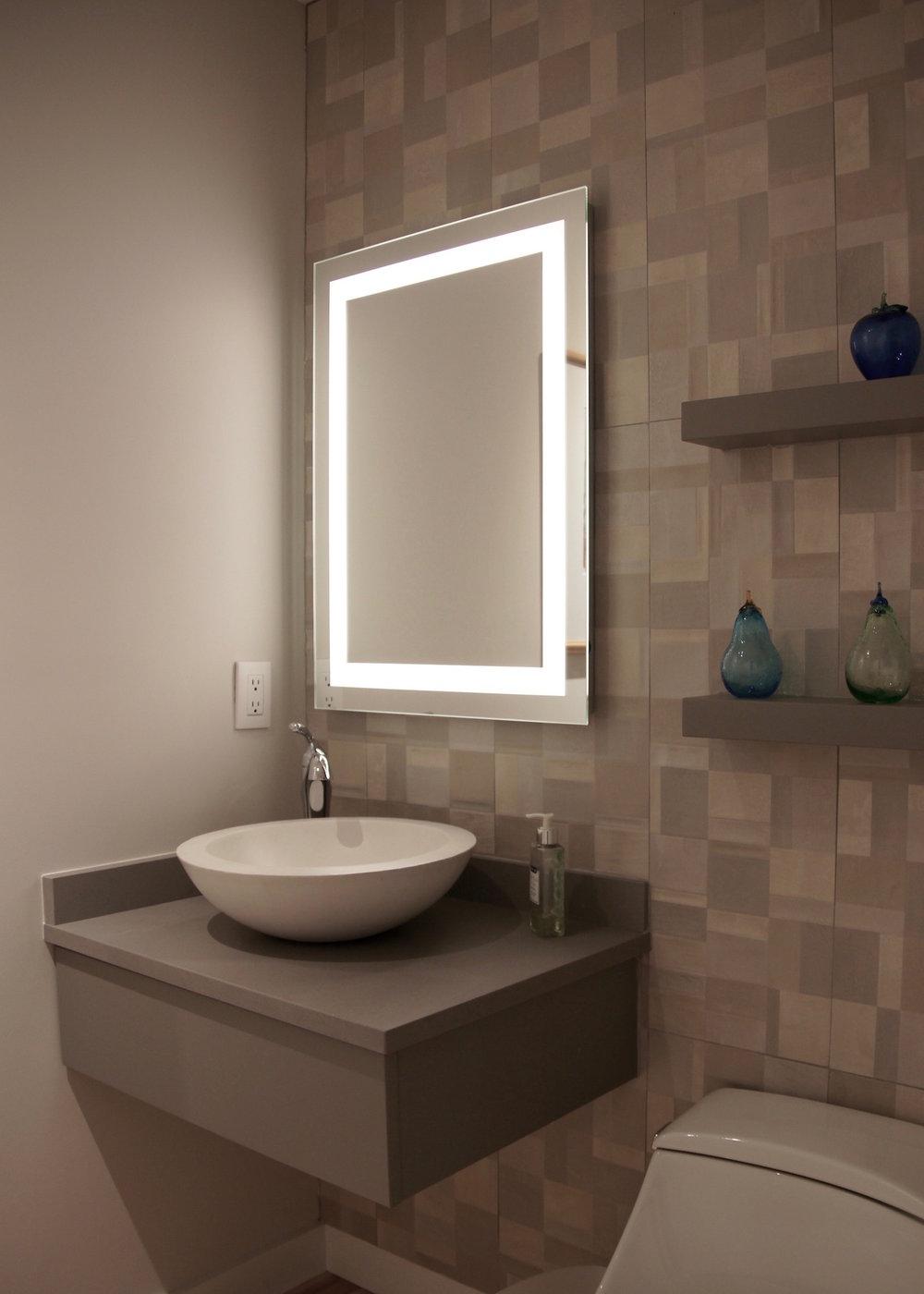Hall bath 01.jpg