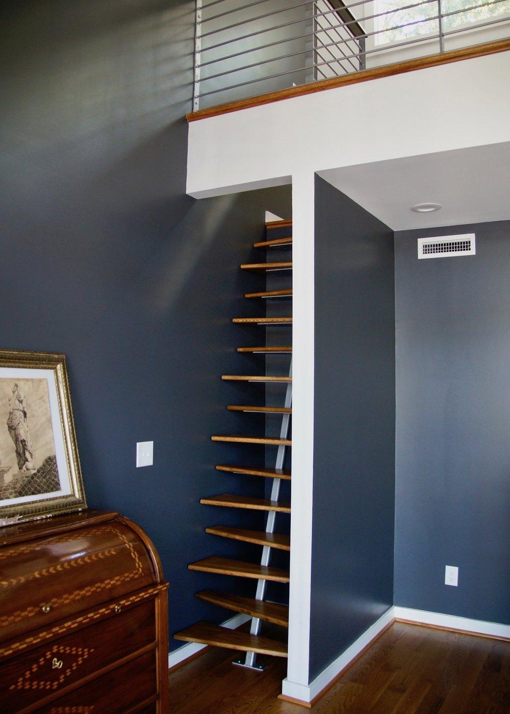 mbedroom ladder.jpg