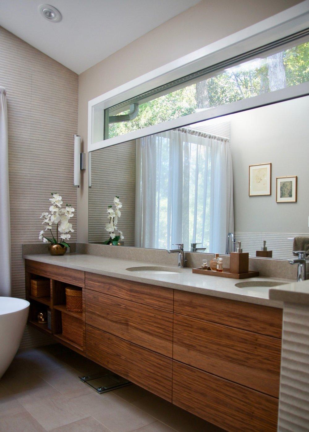 mbathroom 02.jpg