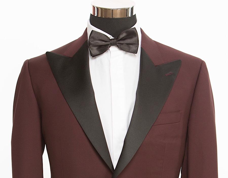 All-Seasons 19' - Composition: Oxblood Tuxedo, Black Satin Peak Lapel90% Wool, 10% Silk, 250 grs
