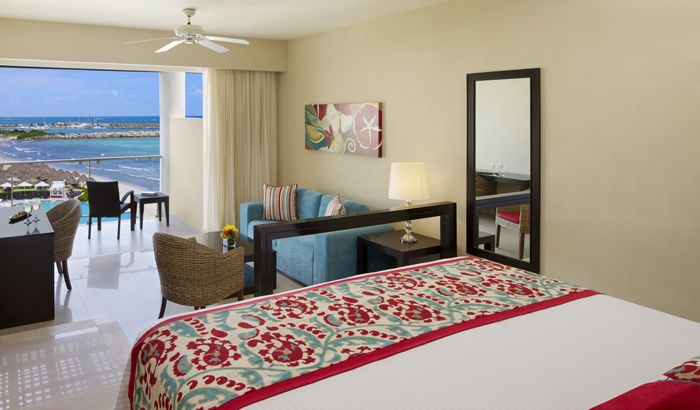 Junior Suite Ocean View King.jpg