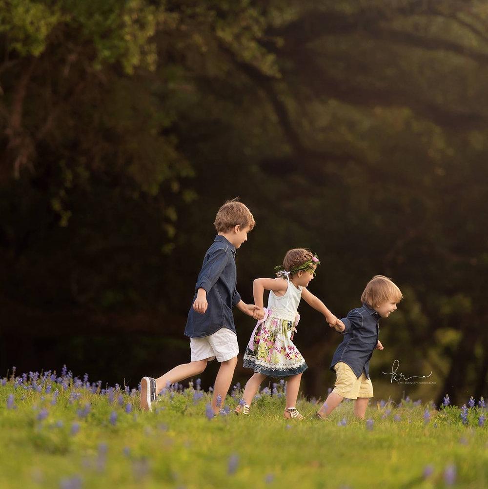 threechildrenrunning.jpg