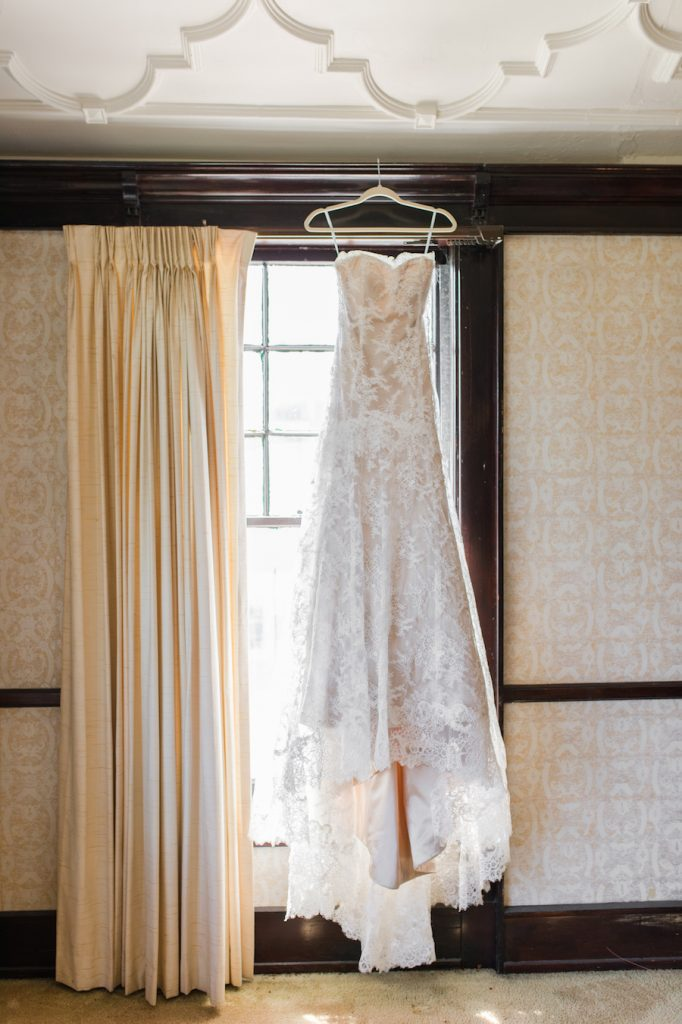 jillian-and-steve_wedding_munaluchi_brides-of-color_black-bride_munaluchi-bride_multicultural_love6-682x1024.jpg
