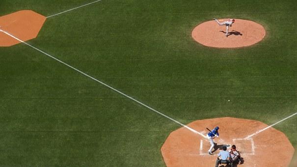 baseball-field-828713__340.jpg