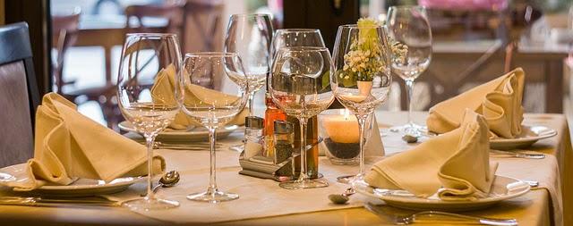 restaurant-449952_640v2.jpg