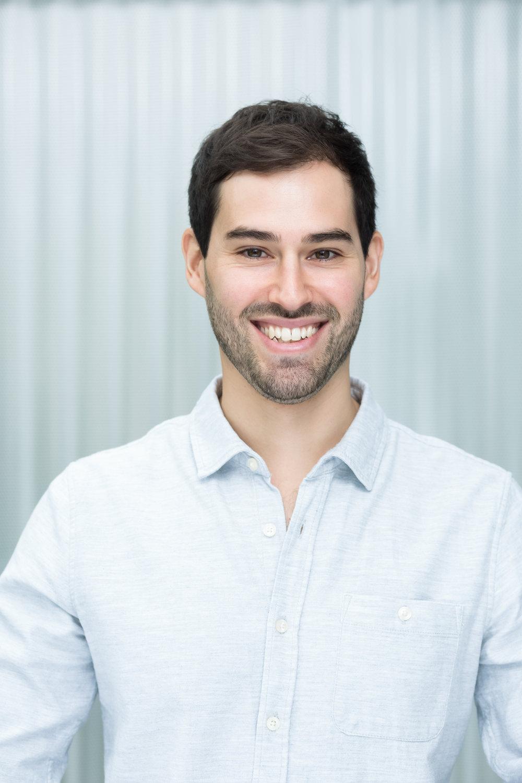 Mauricio Alvarez, BSc.   Physiotherapeut | Osteopath i.A.   0699 / 120 366 54    mauricio@amano.at     Mehr über Mauricio erfahren