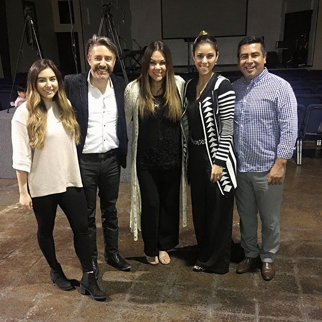 Anoche muy bendecidos en la Iglesia del Pastor Raul Rubio y su esposa Yajhaira. #testimonio #honor #respeto #nuevoscomienzos #perdon #mikeylaura❤️