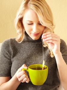 Une infusion de thé en sachet