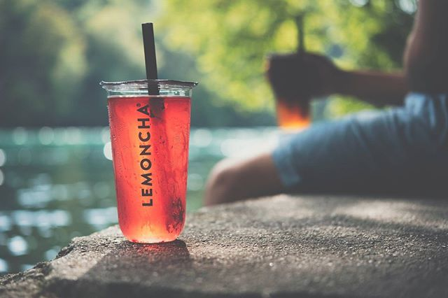 Beat the heat! Grab one of our Iced Teas and enjoy the refreshing banks of the Rhone river. The perfect place to chill with friends next to the water.  #lemoncha #teabar #summer #heatwave #icedtea #geneva #rhone #summertime