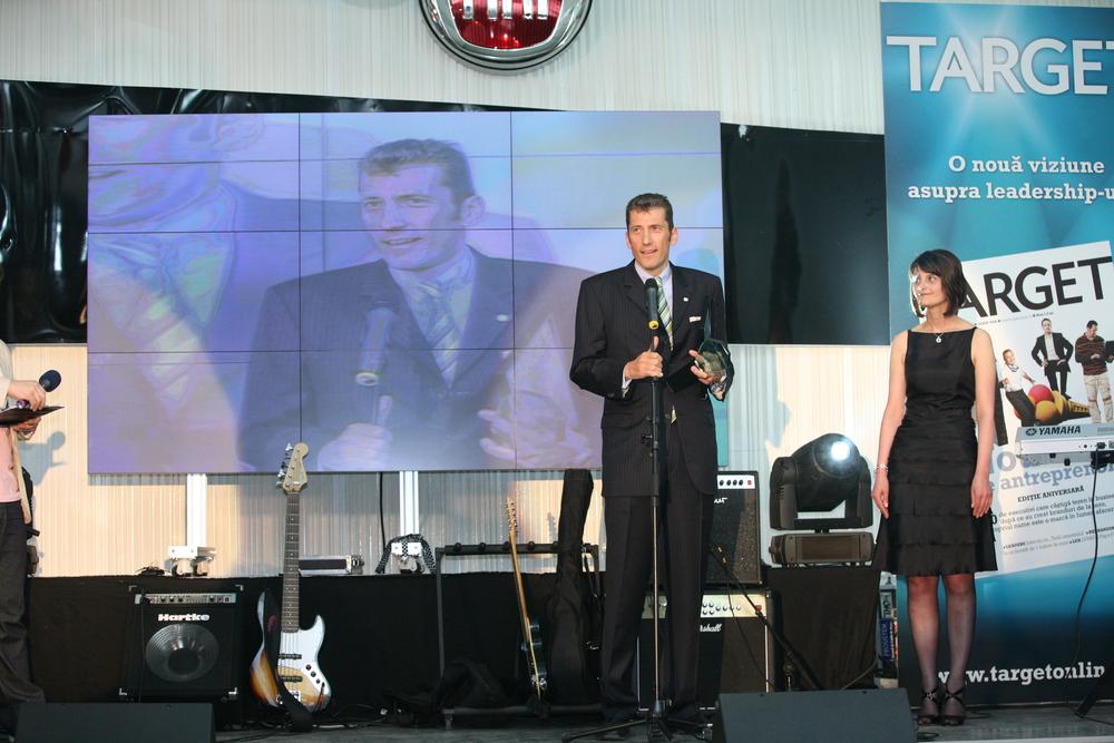 Friedrich W. Niemann erhält die Auszeichnung als 'Expat of the year'des Target Magazins, Bukarest.