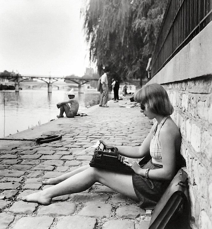 just my favorite. taken by Robert Doisneau | Paris, 1947