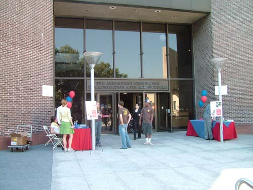 1annenberg_entrance.jpg