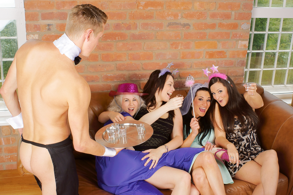 Butler-in-the-buff-hen-party-prank.jpg