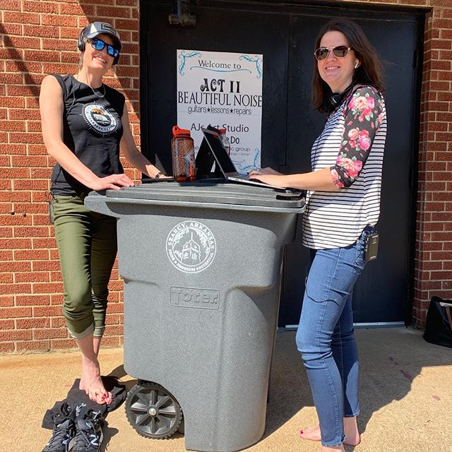 Sometimes you gotta make-do and bring your mobile office to life, even if it's a garbage can! Don't worry, it's was a brand new one. #producer #smallbusinessrevolution #mysearcy