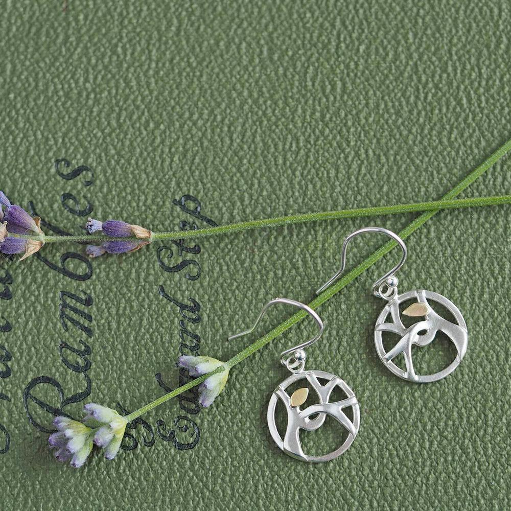 drop earrings_leaf.jpg