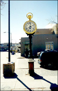 nm_santa_fe_the_spritz_clock_2.jpg