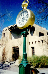 nm_santa_fe_the_spritz_clock_1.jpg