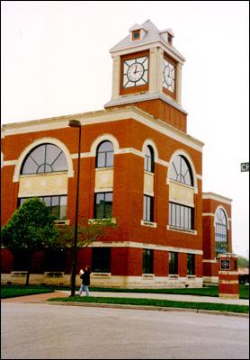 ks_olathe_courthouse_clock.jpg