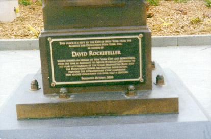 ny_manhattan_broadway_millennium_park_plaque.jpg