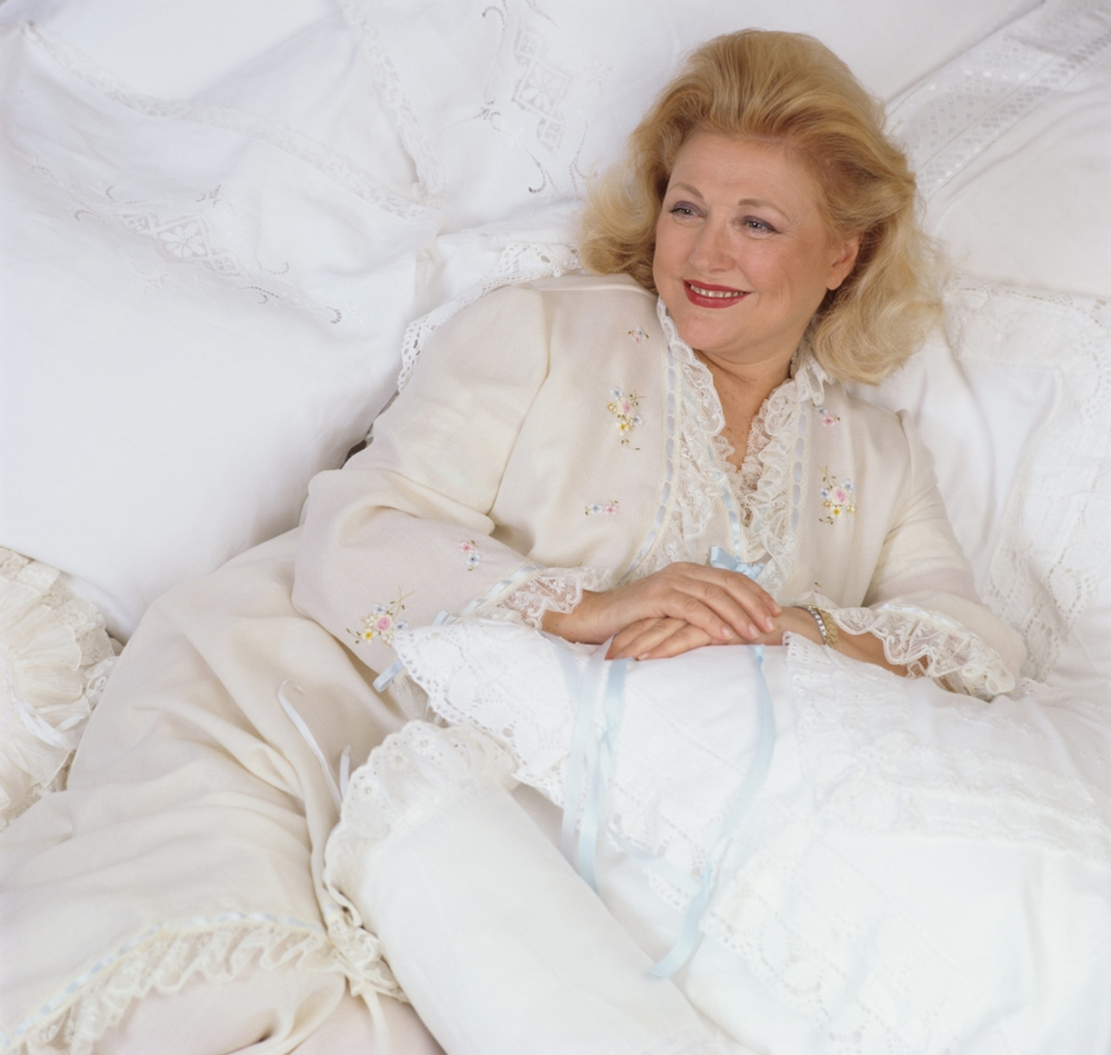 Barbara Taylor-Bradford (Chic Magazine)