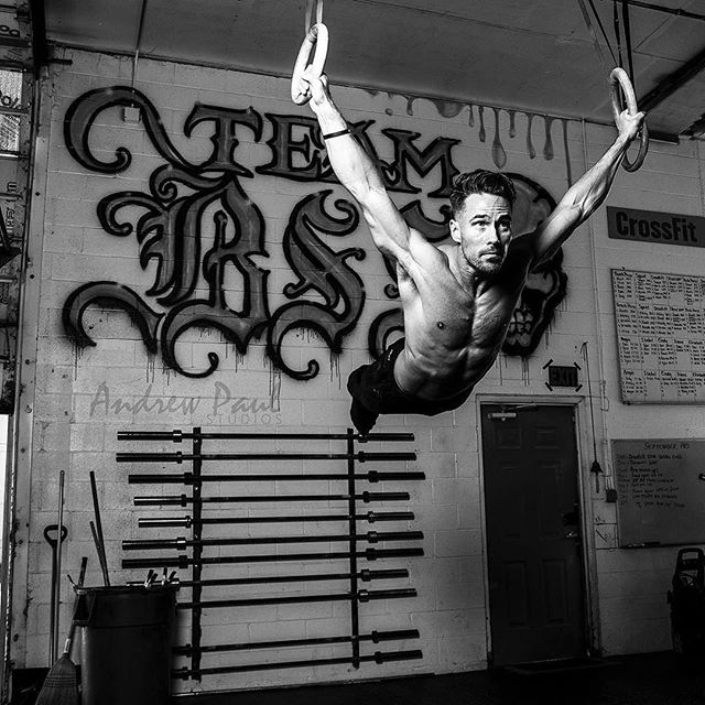 @mikecerbus showing it's not impossible to soar. Love seeing coaches and athletes be passionate about their craft. If you believe in yourself so will others. If you don't, neither will they.  #thebarbellceo ・・・ @andrewpaulstudios #powermonkeyfitness #fitness #crossfit #crossfitter #gymnastics #gym #crossfitphotography #muscleups #gymnasty #wod #pullup #dips #weightlifting #olympicweightlifting #fitnessmotivation #workouttime #entrepreneur #abs #strong