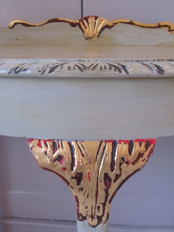 Detail-at-console-table-handpainted-home-paintmakers-house-upcycle.jpg