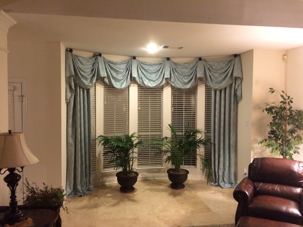 CUSTOM DRAPERY AND VALENCE IN GRAPEVINE, TX