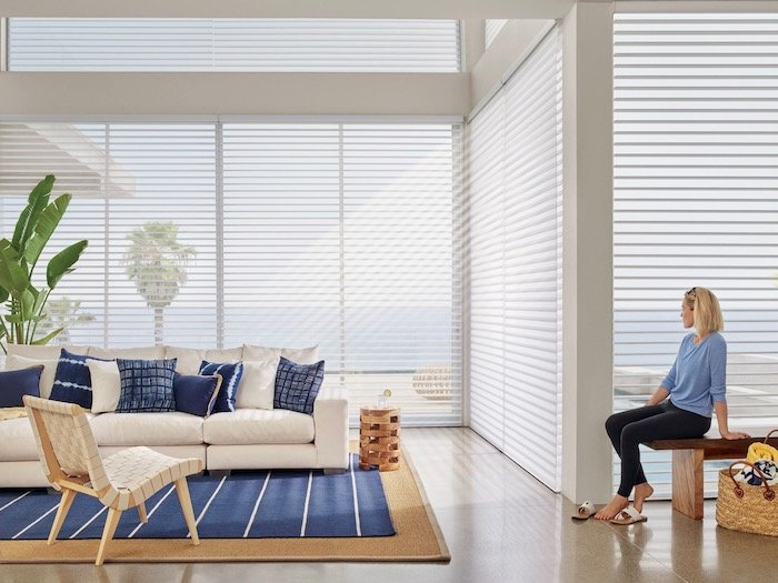 Use of Deep Blue Accents to Furnish Your Home