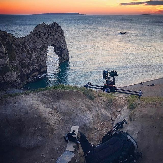 Color and flow via @mattiabicchi_bts  Stage One and Stage R with Sony A7rII and Canon 16-35 f/4L  #timelapse #motioncontrol #dynamicperception #sonyalpha