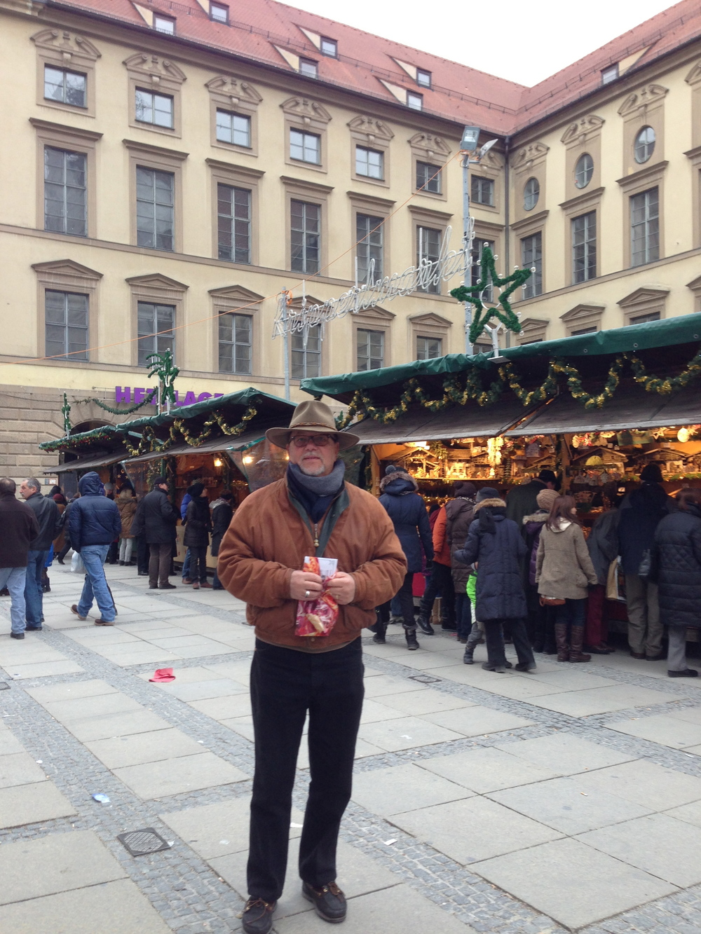 RESEARCH AT THE CHRISTMAS MARKETS IN MUNICH