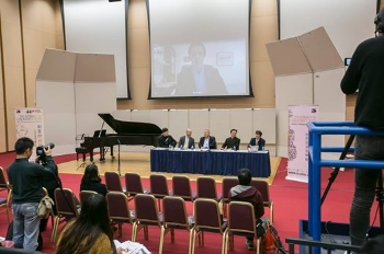 Daniel Skypes in to the Press Conference announcing the 2016 World Premiere Concert with the HK Phil.