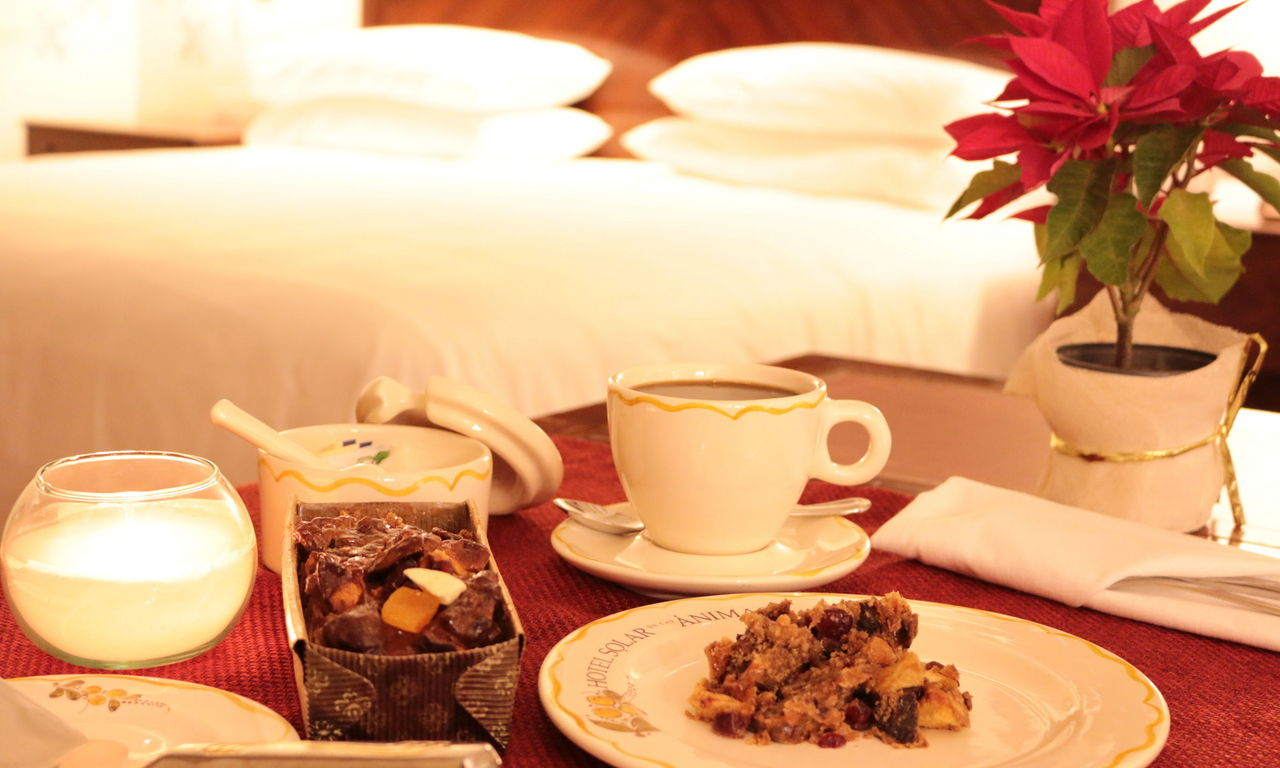 Desayuno en la habitación del Hotel Solar de las Animas