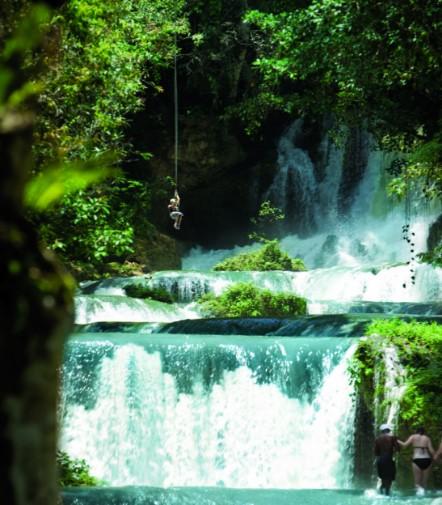 YS Falls. Foto cortesía de la Oficina de Turismo de Jamaica