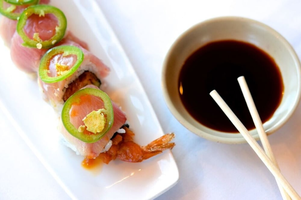 911 Roll, 50% off during Happy Hour |photo courtesy of 100eats