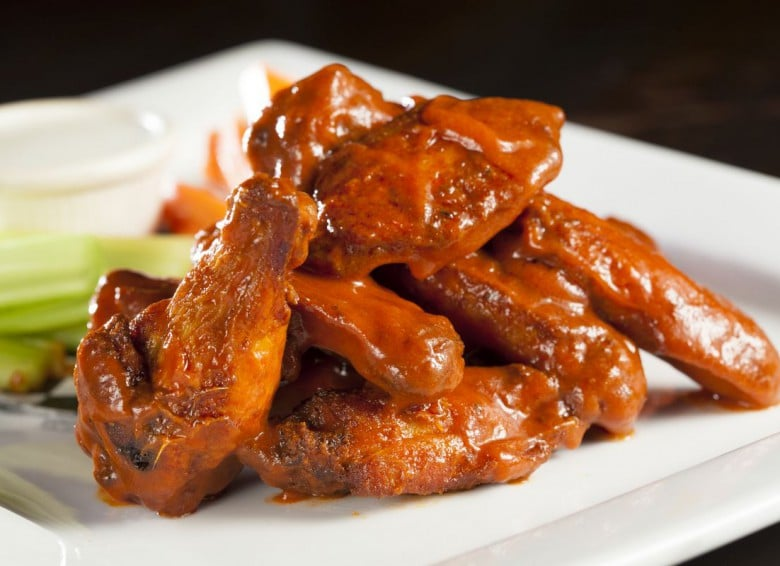 Classic Buffalo Wings discounted during Happy Hour | photo courtesy of Pizza Lounge