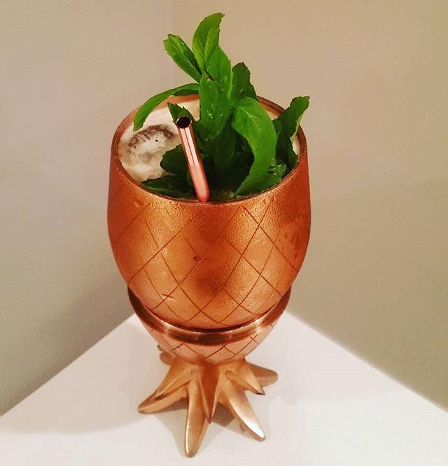 Cynar Colada (+rum) courtesy of @fredericyarm: 1.5 oz Cynar 70, 1 oz @plantation.rum 5 yr, .75 oz Coco Lopez, 3 oz pineapple juice. Vessel courtesy of @wandpdesign.
