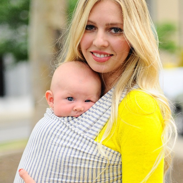 | ON FRIDAY WE WEAR STRIPES | • @chekoh_babycarriers baby carrier stripes, that is! • loving the snuggles • & hands free practicality • get over to @chekoh_babycarriers for yours! • 💛🙌🏻💛👶🏼💛👍🏻• #birthco •
