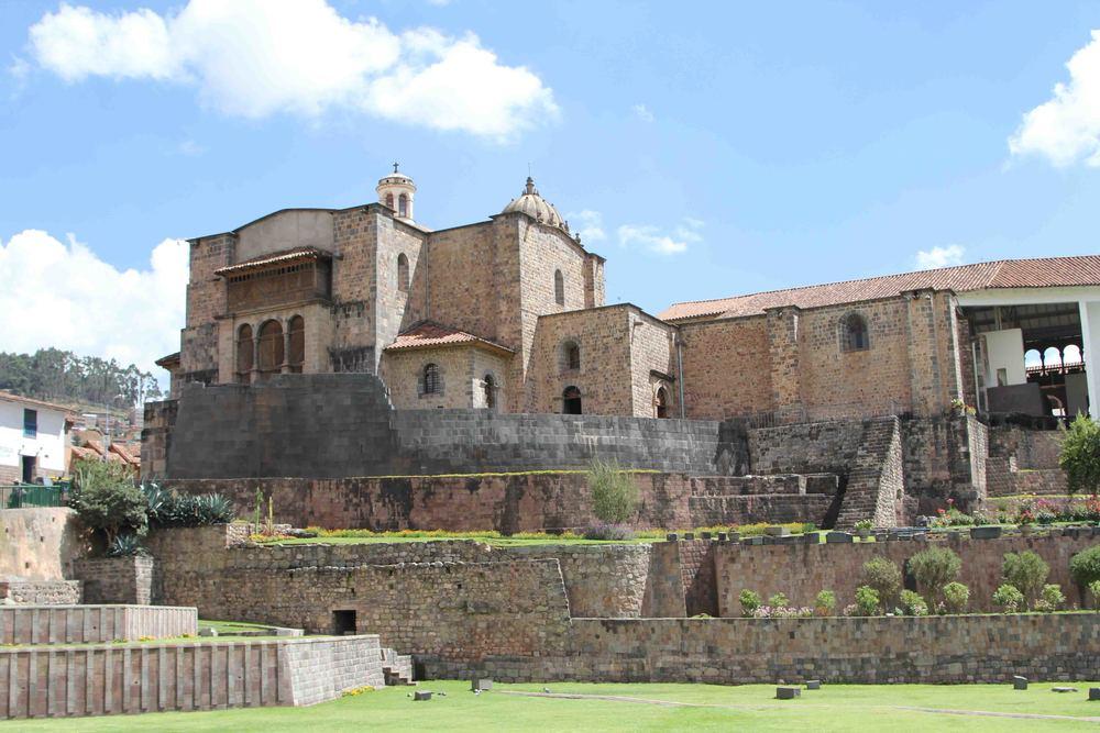 Temple of the Sun ruins below, Santo Domingo on top