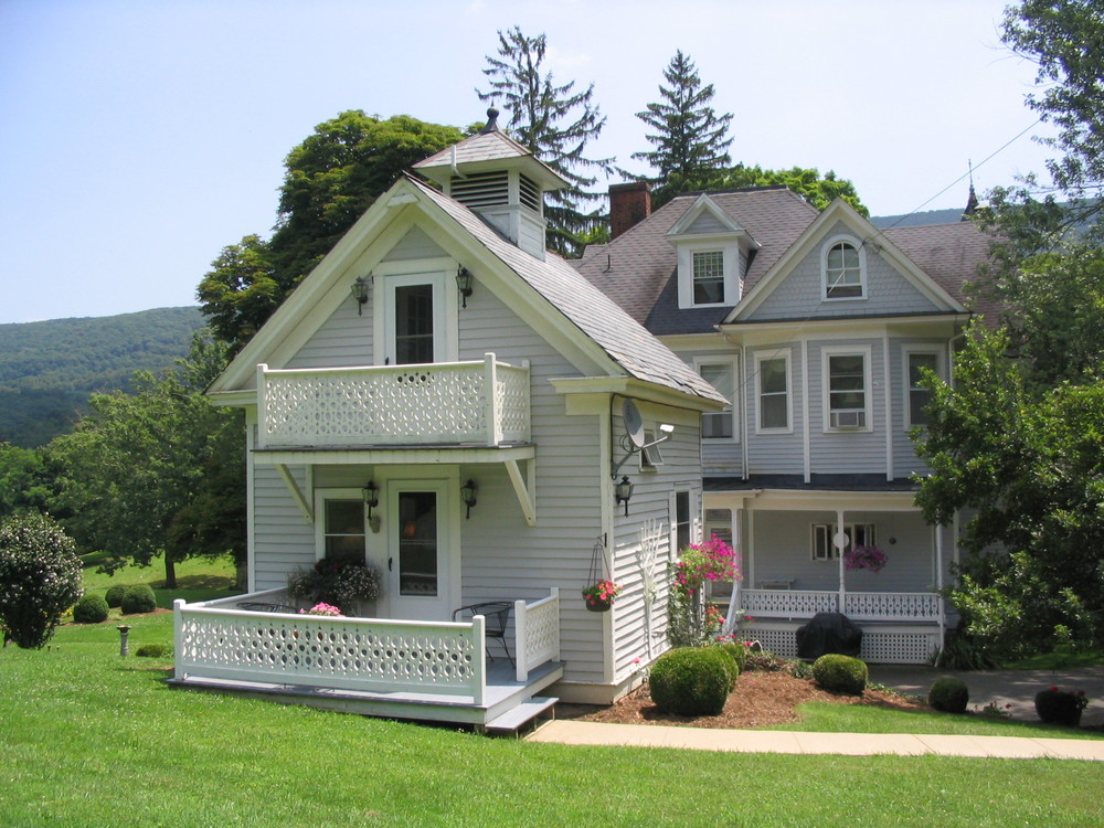 KVI Cottage 1.JPG