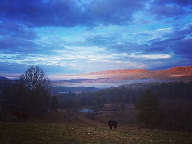 Incredible sky over Bacova . . .  #ruralamerica #countryliving #usa #virginiafarms #virginia #bathcountyva #jacksonrivervalley #hotspringsva #omni #thehomestead  #alleghenymountains #shenandoah #realestate #bestplacestolive #lovewhereyoulive  #vacationrental #virginiamountainhomes #bacovaproperties