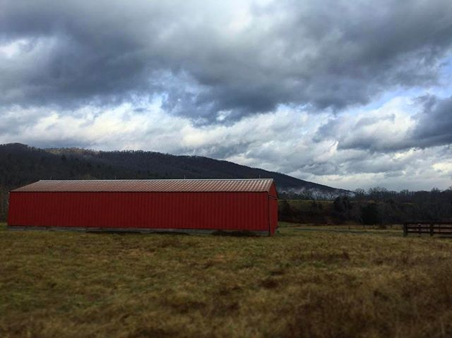 Great shot of a barn with Doctors Hill in the distance. An 80 Acre property bordering the Jackson river #barnsofinstagram . . .  #ruralamerica #countryliving #usa #virginiafarms #virginia #bathcountyva #jacksonrivervalley #hotspringsva #omni #thehomestead  #alleghenymountains #shenandoah #realestate #bestplacestolive #lovewhereyoulive  #vacationrental #virginiamountainhomes #bacovaproperties