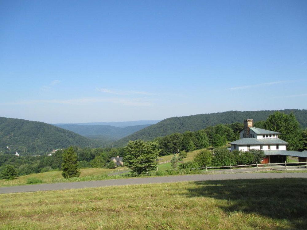 West Panoramic View of Hot Springs Gap