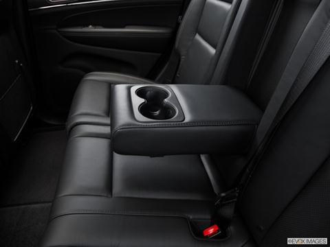 2016-jeep-grand cherokee-rear-console_11070_143_480x360.jpeg