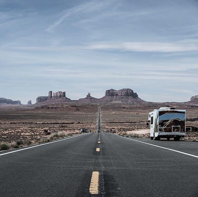 I need some road soon! #tjmallorydotcom #traveler #roadtrips #monumentvalley #photography #photographer #1800rv4rent #iliveirideiamjeep