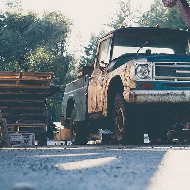 Get low, get high, get by! #tjmallorydotcom #photography #vintagetruck #gas #classiccars #roadtrips